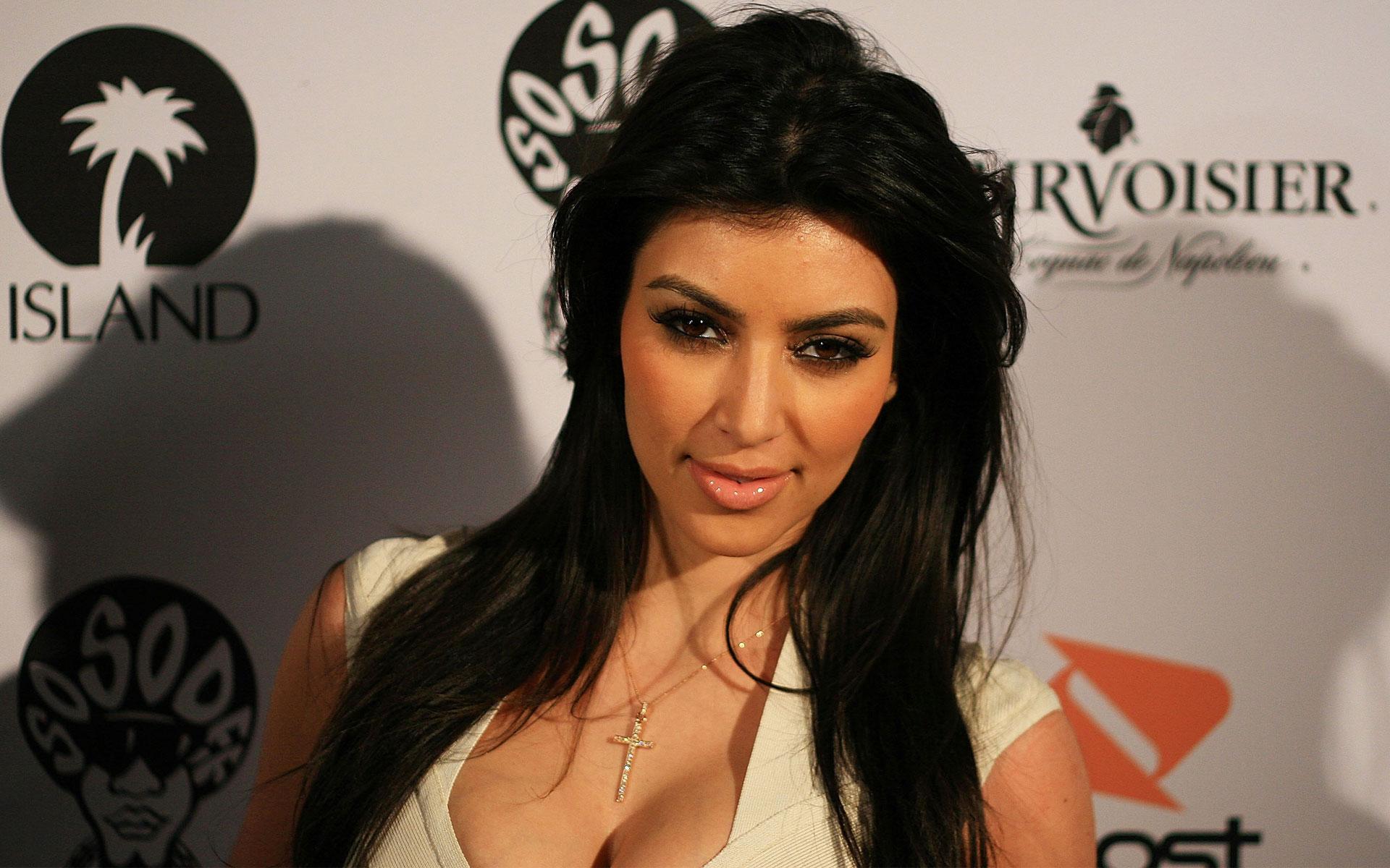 kim_kardashian_40-wide